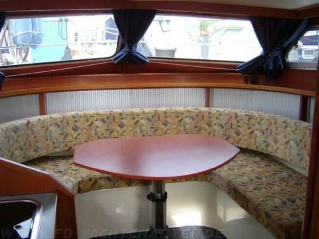 FB Yachtcharter :: Motoryacht Mary Salon